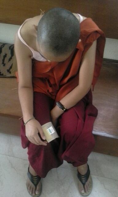 nepal-acupunture-man2